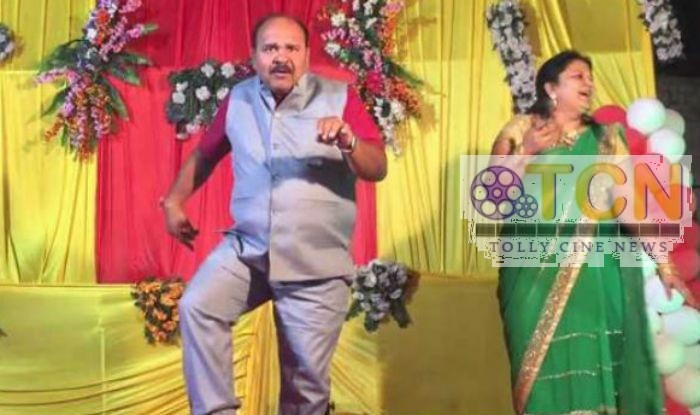 Aap Ke Aa Jane Se Song Dance Performance 45 years Uncle viral Videos